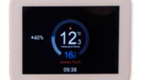Cronotermostato IP programmabile per gestione riscaldamento/raffrescamento